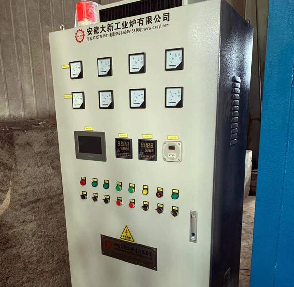 大新工业炉发往黄山的450KW台车炉调试完工
